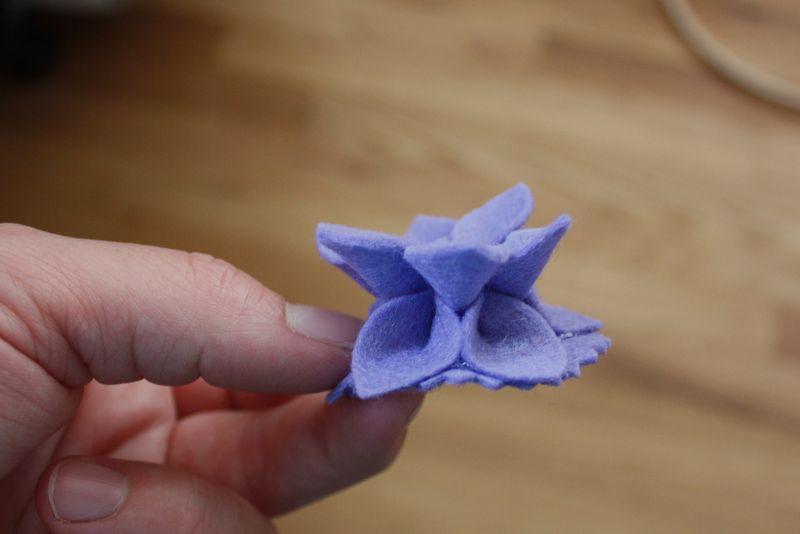 Flower pin tutorial 044