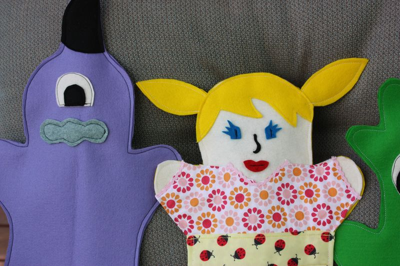 Hand puppets 011