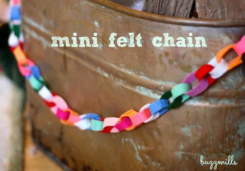Mini felt chain