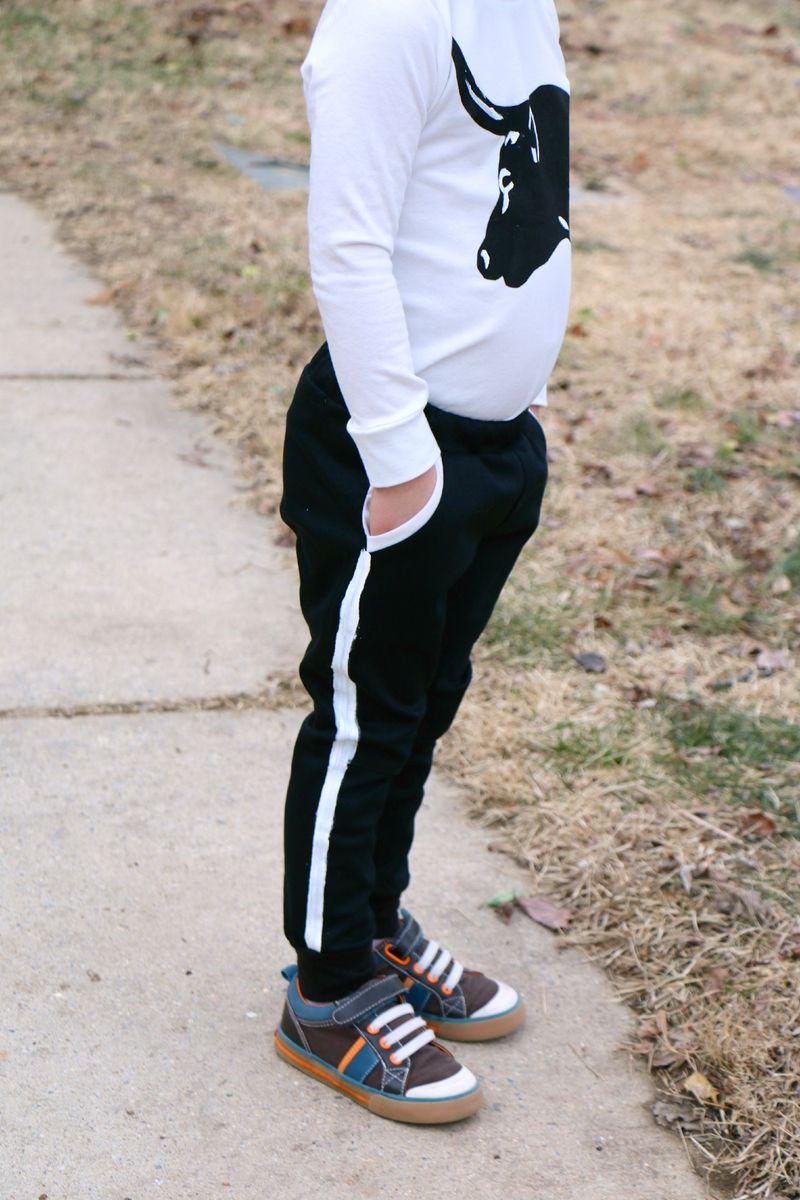 Tuxedo stripe