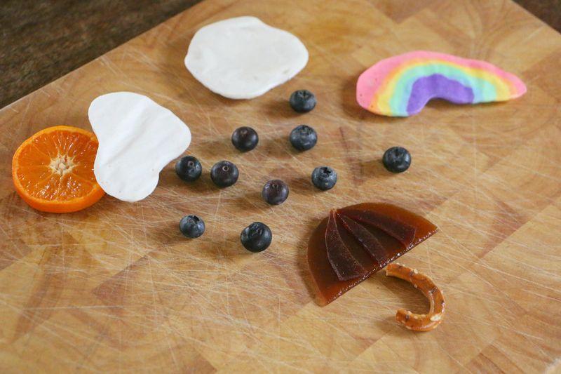 Rainbowrainumbrella snack3