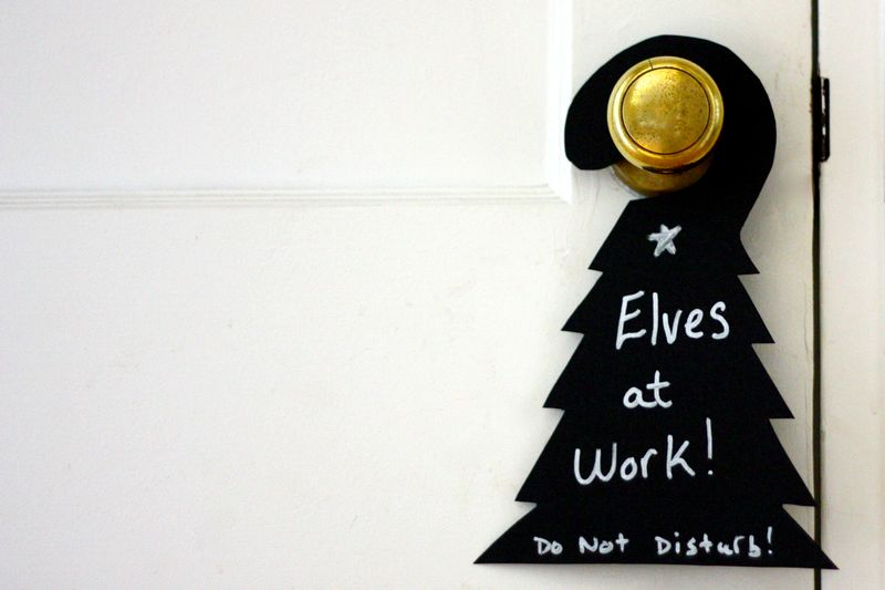 Black tree door hanger