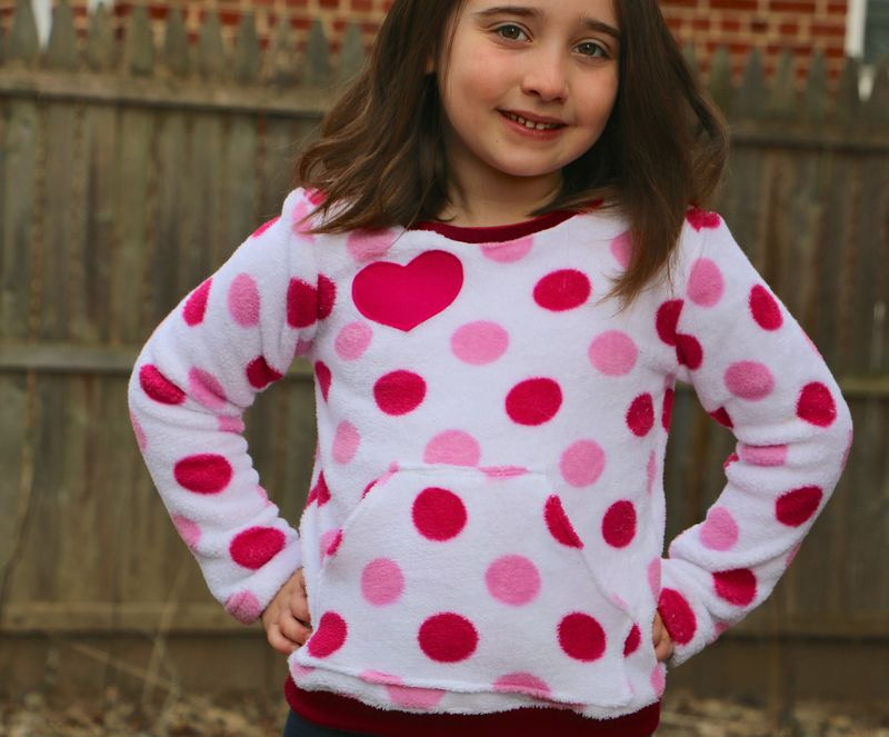 Heart sweatshirt2