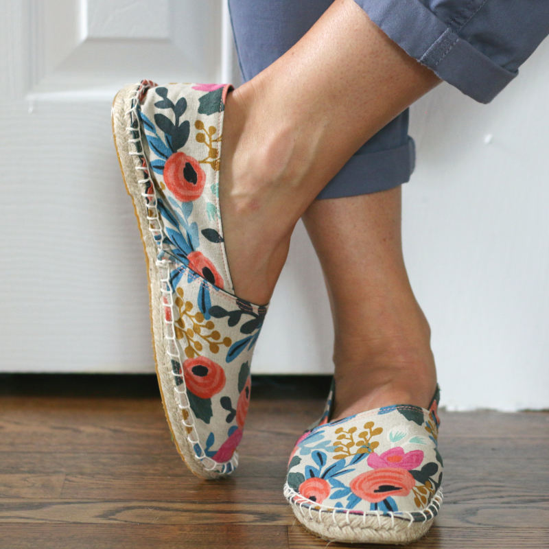 Espadrille side toe